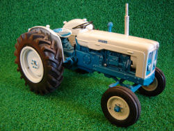 www.rjnclassictractors.co.uk_Fordson_Super_Major_5000