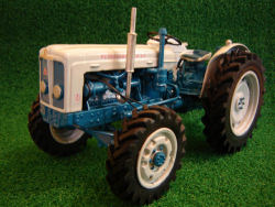 Roadless 6/4 Tractor Model www.rjnclassictractors.co.uk