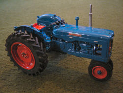 RJN Classic Tractors Fordson Super Major Tricycle Row Crop