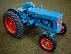 RJN Classic Tractors Fordson Super Major 1961 Blue Orange