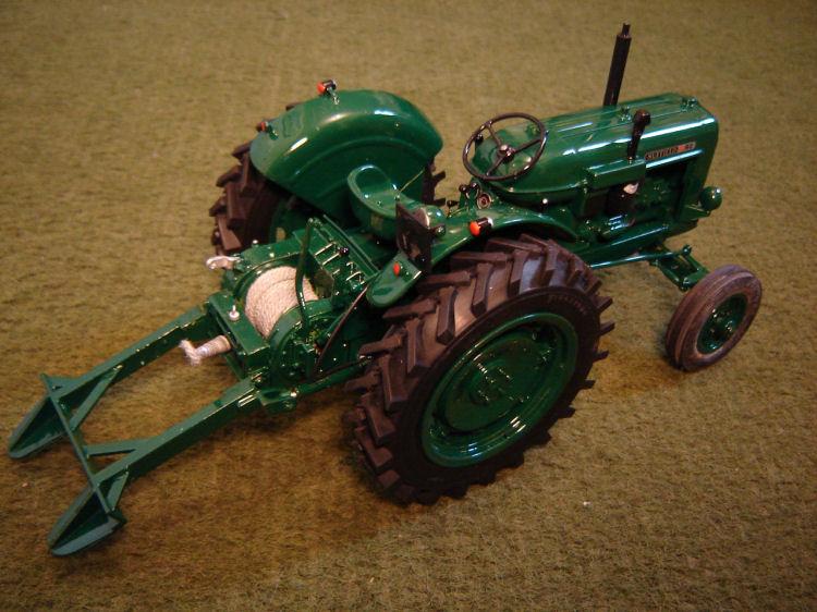 RJN Classic Tractors | Classic Model Tractors - Nuffield 10