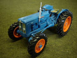 RJN Classic Tractors 1961 Roadless Super Major