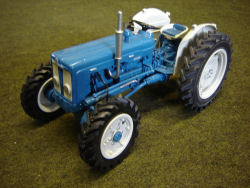 RJN Classic Tractors 1963 Roadless Super Major